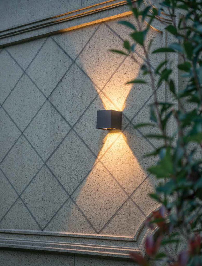 โคมไฟติดผนังภายนอก LED ใช้ตกแต่งผนังโรงแรม บ้านพักอาศัย