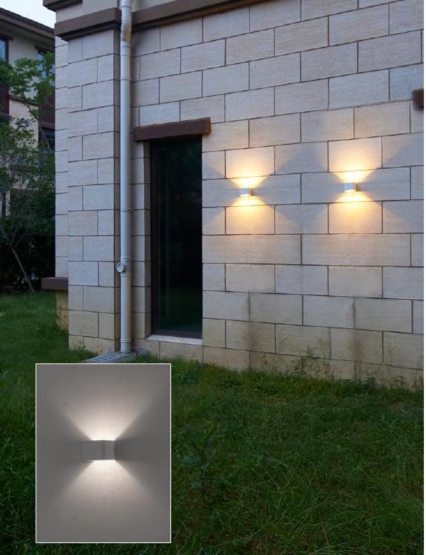โคมไฟติดผนังภายนอก แสงส่องขึ้นลง LED 5W